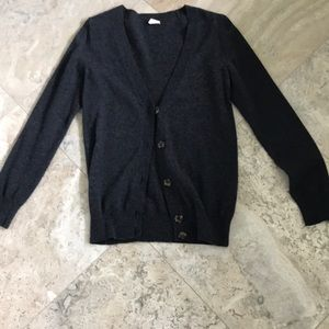 Vneck cardigan with buttons